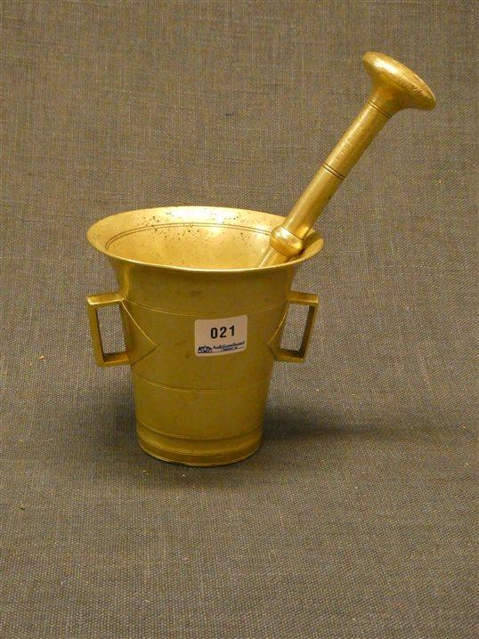 Auktion: 411 Objekt: 021