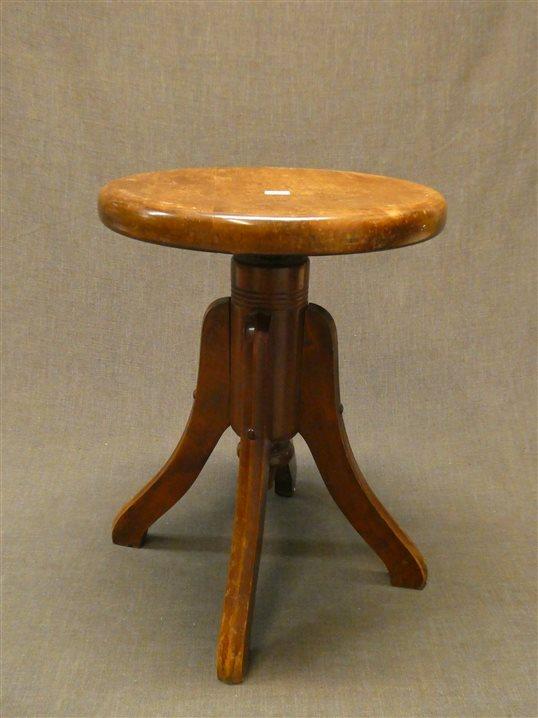 Auktion: 437 Objekt: 013